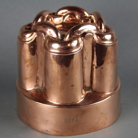 Victorian Copper Jelly Mould - Chain-Link Motif